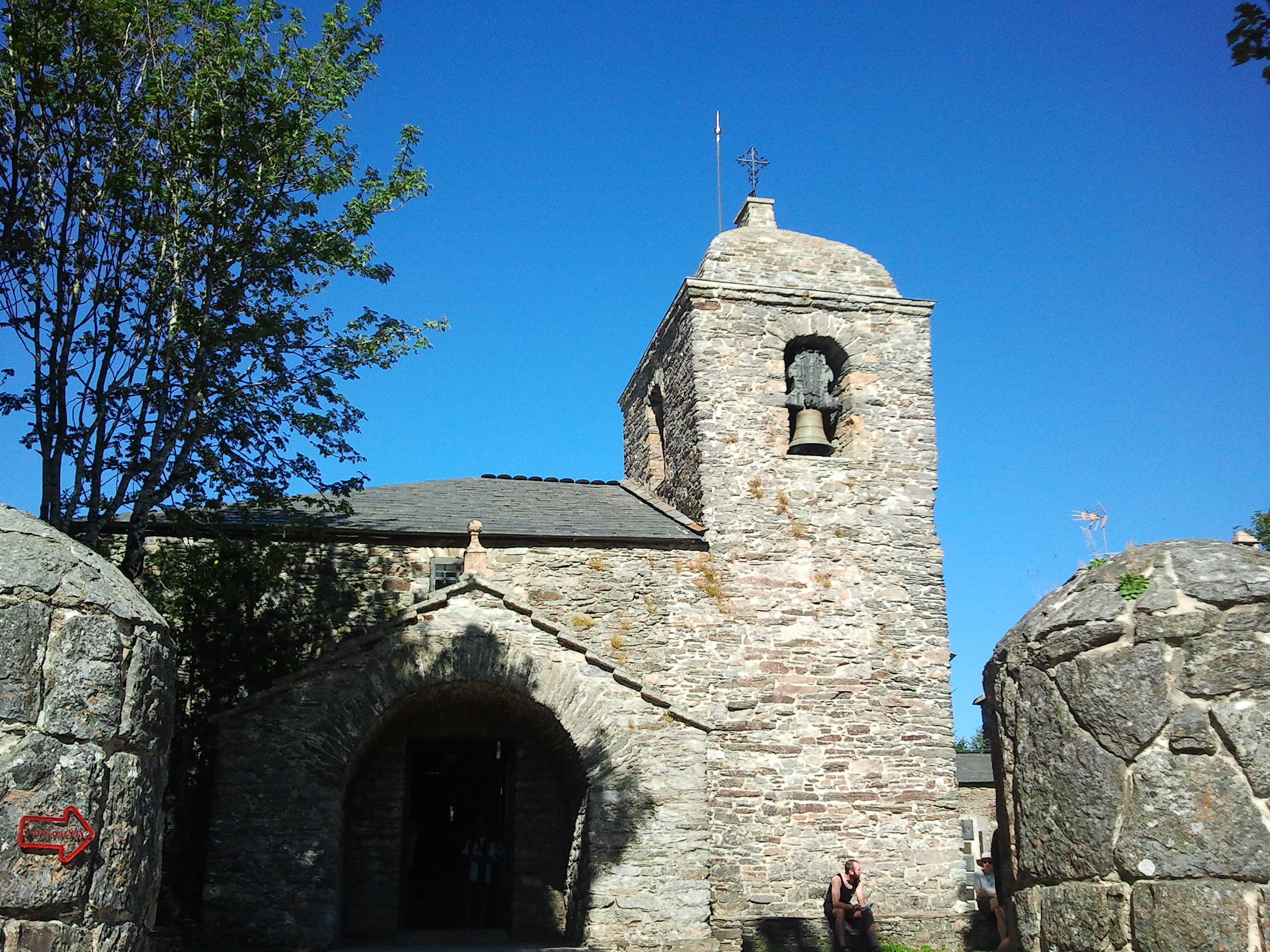 Miejsce Cudu Eucharystycznego (kościół mieści się na wysokości prawie 1400 m n.p.m.)