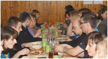 Oaza Modlitwy w Laskach 2012 posiłek